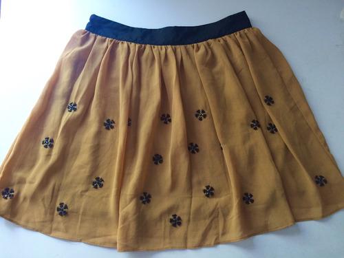 falda amarilla con piedra swarovsky