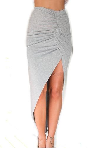 falda asimétrica larga cruzada con pliegues en la pierna