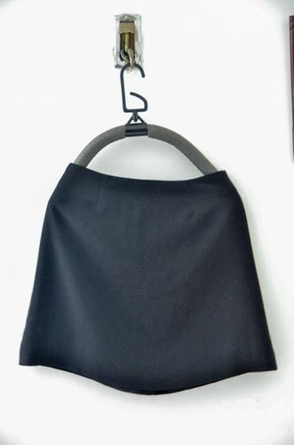 falda d mujer, dama tela elegante. ropa femenina, oferta.