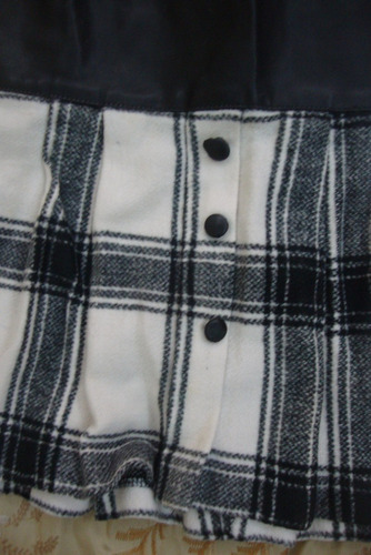 falda de cuero y lana para niña hermosa