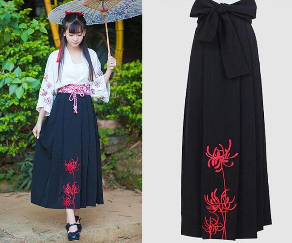 571155f77 Falda Negra Tableada Larga Japonesa Flores Bordadas -   652.00 en ...