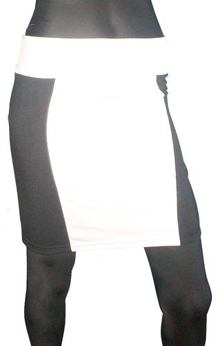 falda o minifalda blanco y negro