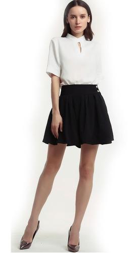 falda plisada de los botones laterales de cintura doble d
