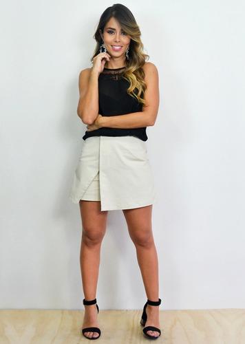 falda-short corte asimetrico sin bolsillos