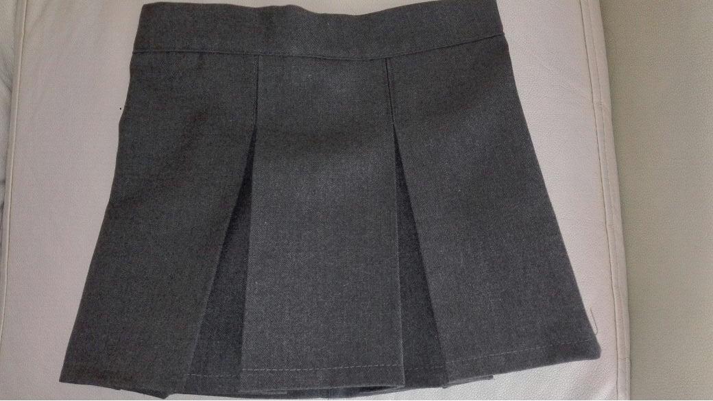 b548381afa faldas de colegio x mayor y detalle gris y azul uniformes. Cargando zoom.