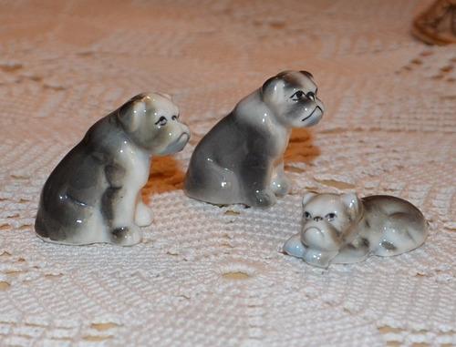 familia de perros gordos de porcelana en miniatura (son 3)