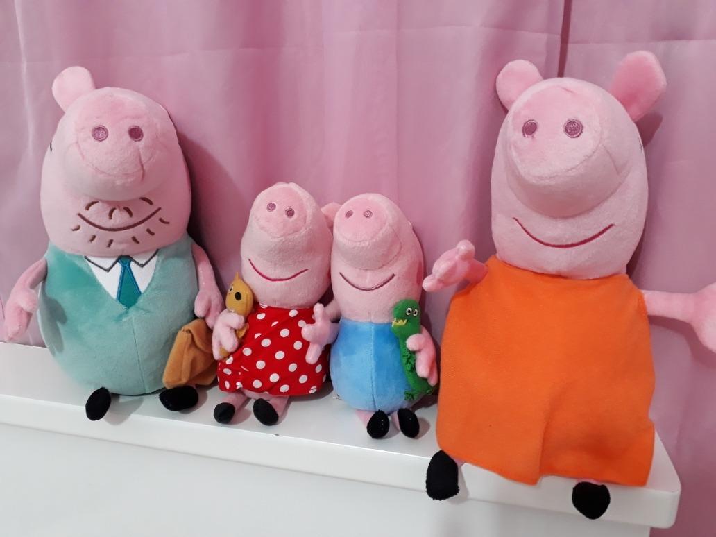 6fba3f4da Familia Peppa Pig Com Vestido Vermelho De Bolinhas - R$ 210,00 em ...