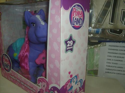 familia pony con accesorios