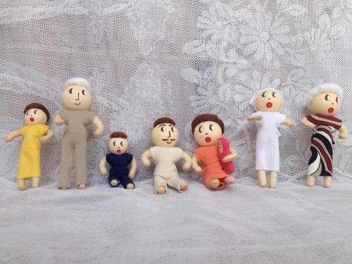 família terapêutica 7 bonecos com orgãos sexuais cor branca