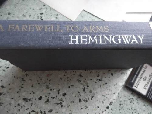 farewell to arms ernest hemingway tapa dura en ingles or.