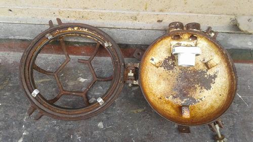farol de barco antiguo