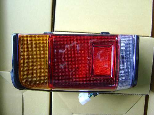 farol trasero izquierdo mazda e-2200