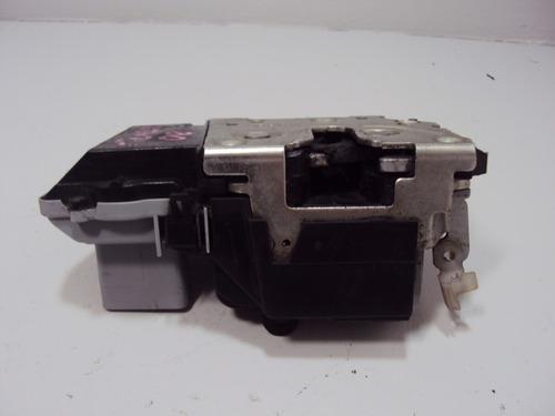 fechadura elétrica diant. dir. x sara picasso 1.6 16v 2009