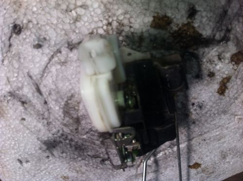 fechadura eletrica dianteira direita pajero tr4 09 original