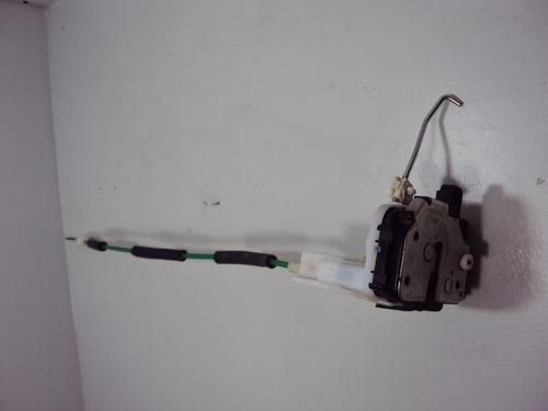fechadura eletrica traseira direita grand siena 2014