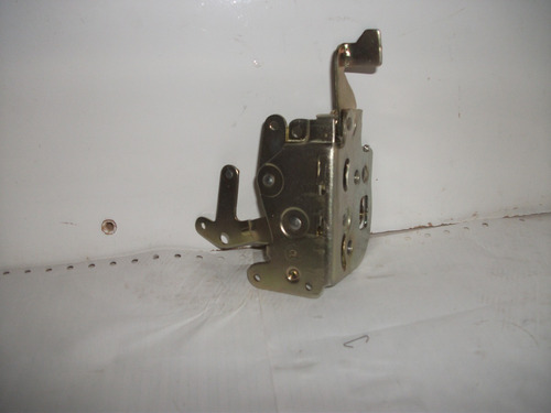 fechadura porta dianteira uno premiofiorino  4portas direito