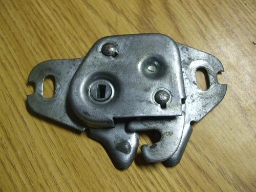 fechadura porta-malas dodge dart charger magnum