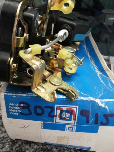 fechadura porta traseira ômega 93/98