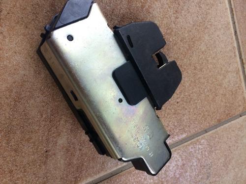 fechadura tranca elétrica porta mala original- citroen ds3