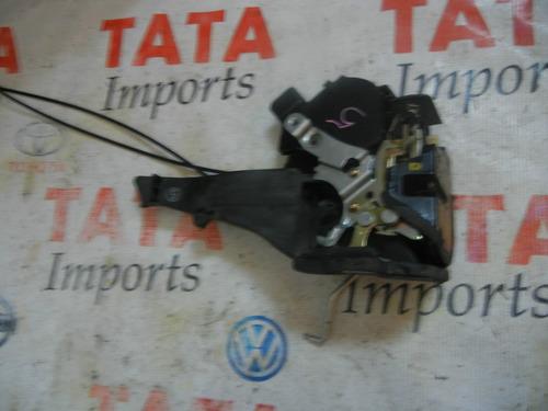 fechadura traseira esquerda rav4  2004   10205