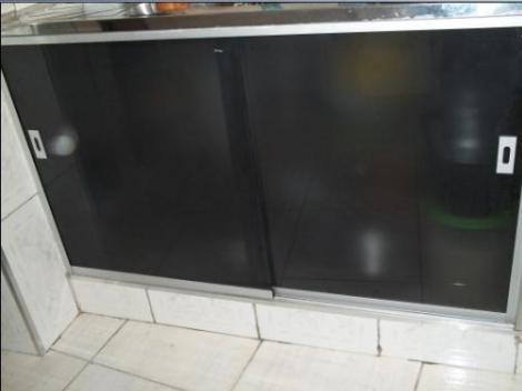 #474354 Fechamento Pia Em Vidro Temperado 8 Mm Perfis Em Aluminio  470x352 px Armario De Cozinha Em Blindex #2979 imagens