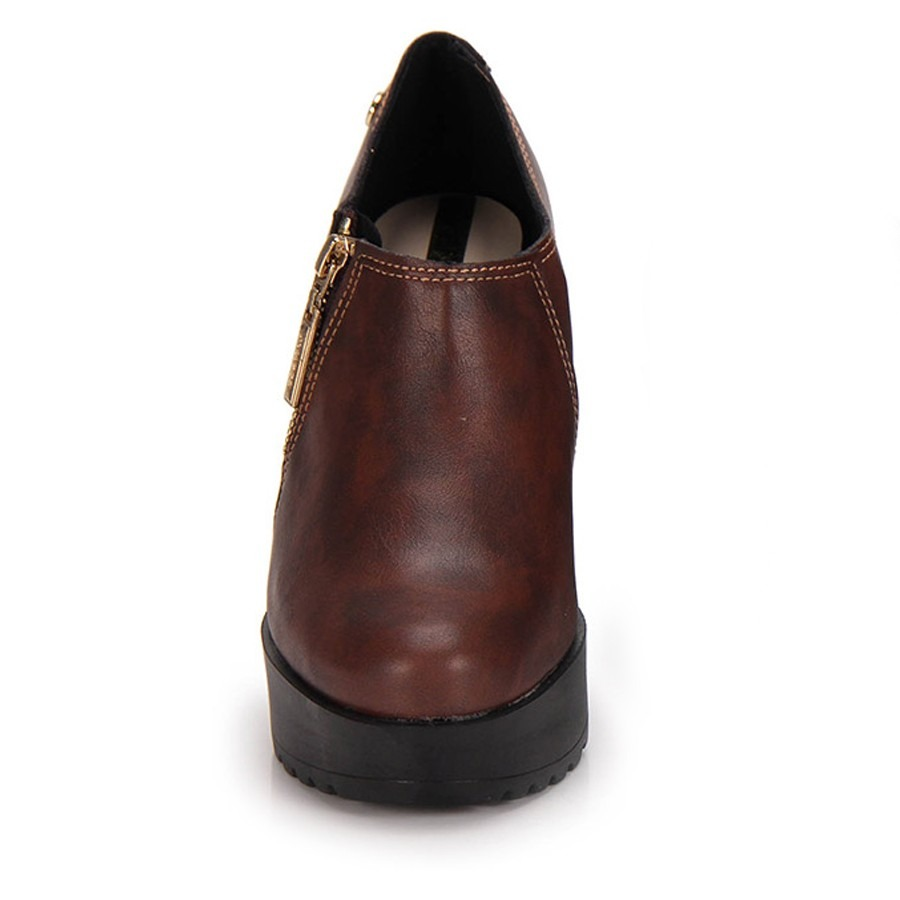d3985a7b1a Sapato Feminino Tratorado Moleca Pinhão 5647.102 - R  119