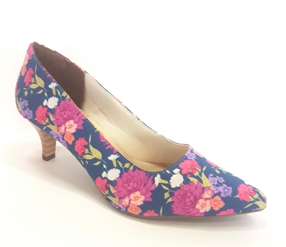 49224ccaf1 Sapato Feminino Scarpin Estampado Salto Médio 6cm Tendência - R  134 ...