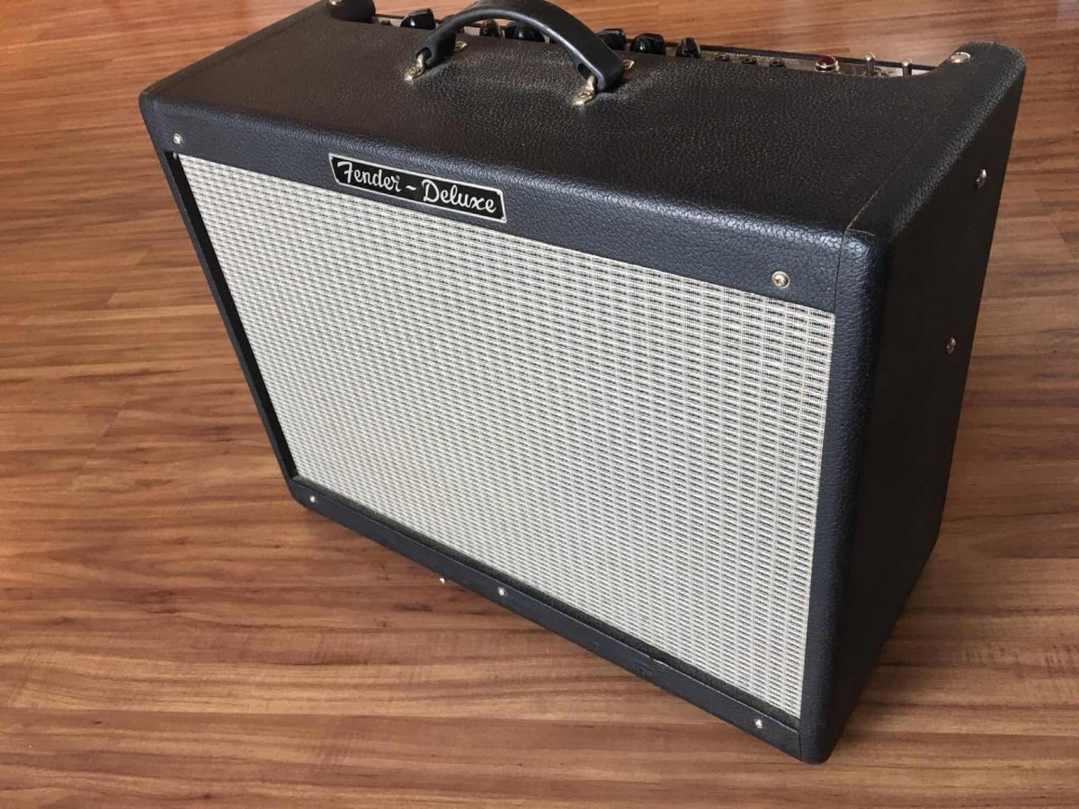 Fender Blues Junior 15w 1x12 Guitar Bo