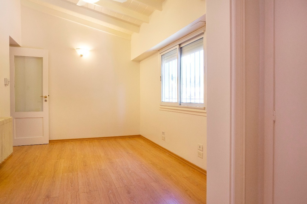 fernández espiro 100 - san isidro - bajo - casas casa - venta
