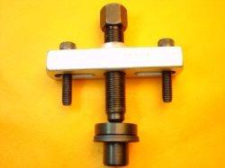 ferramenta para  sacar a polia do virabrequim.