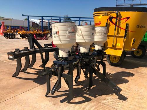 fertilizadora del bajio 3 botes con cultivadora y rueda