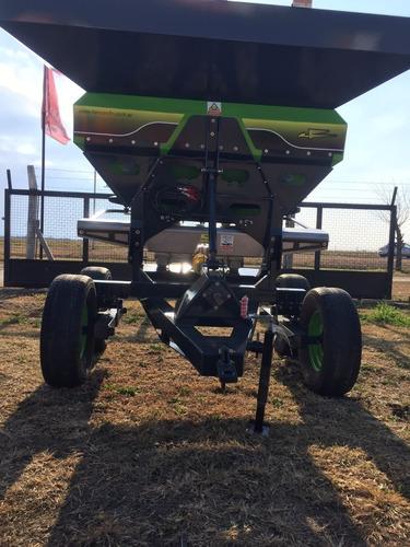 fertilizadora nueva de 2500lts balancín