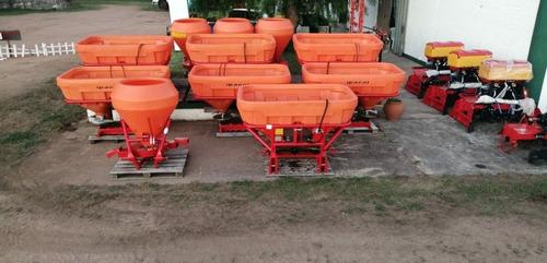 fertilizadora sembradora abonadora ipacol de 600/1300 lts.