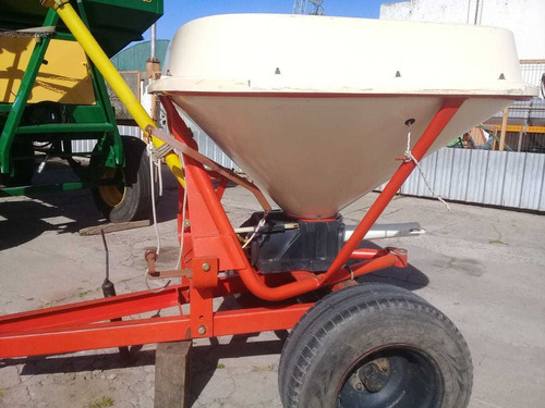 fertilizadora tanzi impecable tpea