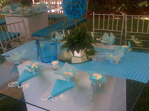 festejos sillas tiffany plateadas mesas de vidrio iluminadas