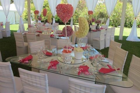Festejos sillas tiffany plateadas mesas de vidrio for Sillas para festejos