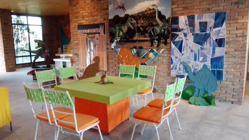 festejos travesuras, festejo, sillas blancas, mesas licradas