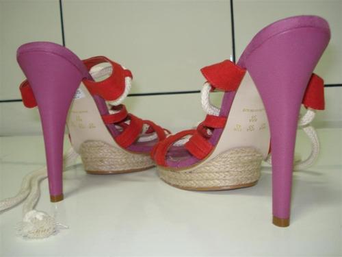 fetiche: sandalia salto altissimo. tam. 39