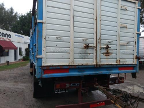 fiat 619, año 1990, con carrocería baranda volcable