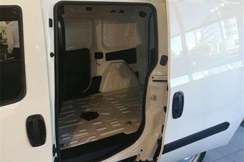 fiat doblo furgon o equipada con 7 asientos d