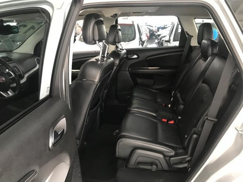 fiat freemont  2.4 16v precision (aut) gasolina automático