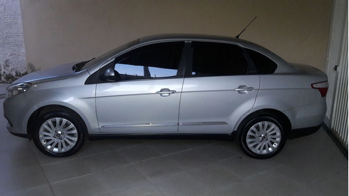 fiat grand siena 1.6 16v essence flex 4p 2013