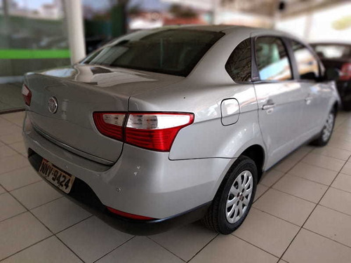fiat grand siena attractive 1.4 8v 2013