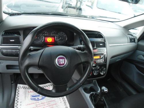 fiat linea 1.8 16v essence flex 4p 2012