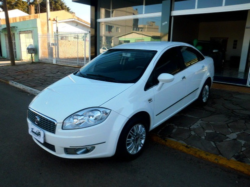 fiat linea 1.8 16v essence flex dualogic 2013