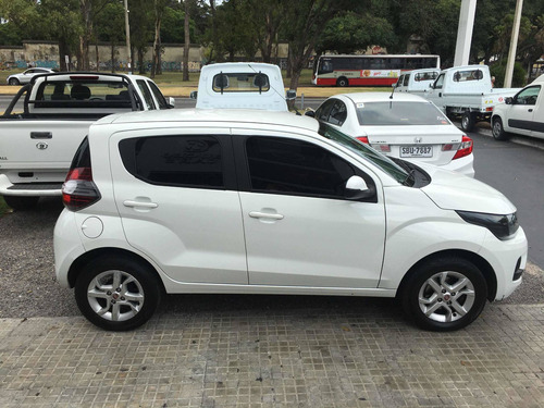 fiat mobi 1.0 easy on (extra full) igual a cero