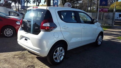 fiat mobi 1.0 way 0 km    no up i10                    ( j )
