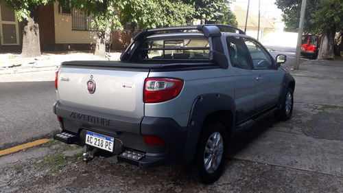 fiat strada 1.6 adventure locker c/gnc 2018