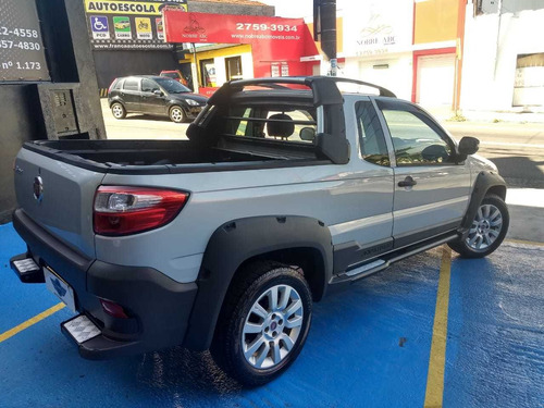 fiat  strada  2015  1.8 16v adventure ce flex 2p financio