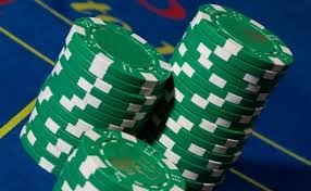 fichas para casino por 100 unidades en tres colores